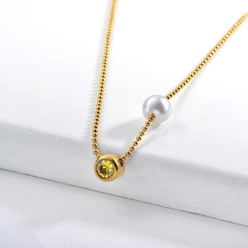 Collar de cadenas de perlas de oro con dije de circonita amarillo perla de moda