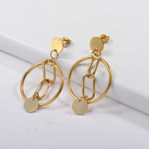 Pendientes colgantes chapados en oro con aro dorado y cadena estilo metal