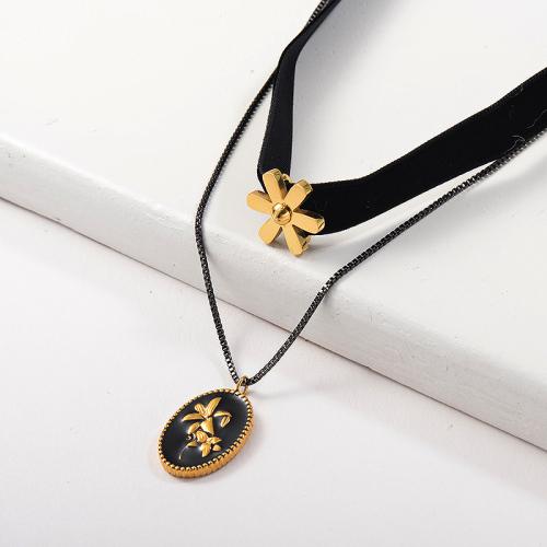 Flor de oro con collar de gargantilla de franela de capa colgante de lirio de esmalte negro