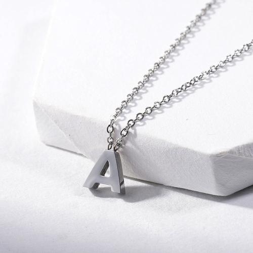 Collar Inicial Letra A Plata Acero Inoxidable