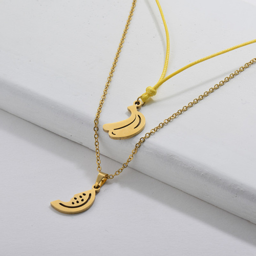 Lindo collar de cadenas dobles con colgante de fruta de plátano dorado de acero inoxidable para niñas
