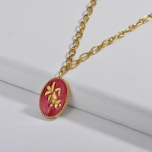 Collar de cadena de eslabones ovalados con colgante ovalado de lirio rojo esmaltado para mujer