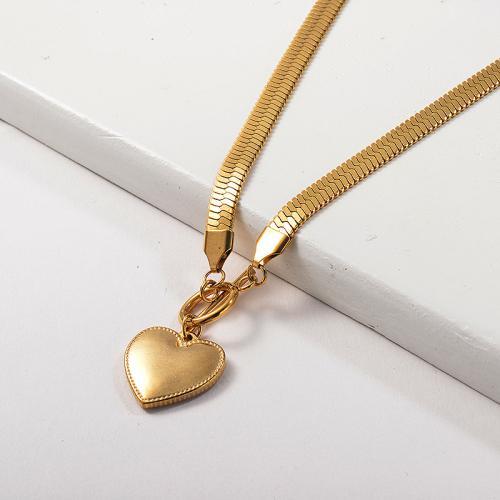 Collar con colgante de corazón de cadena de serpiente de amor de moda