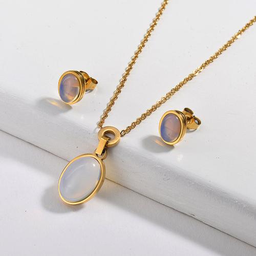Conjunto de pendientes de ópalo de acero inoxidable de diseño simple de joyería chapada en oro