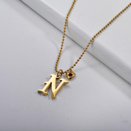 Pendentif alphabet N de style gothique or avec petit collier de perles de charme