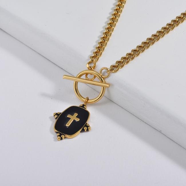 Collar de cadena de eslabones de acera con cierre de OT con colgante cuadrado de cruz de esmalte negro