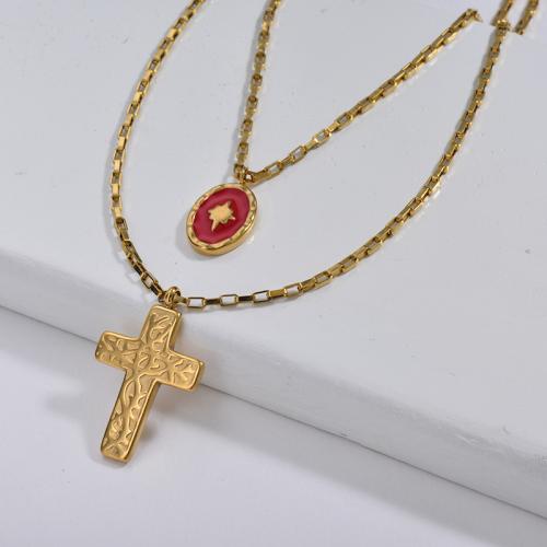 Colgante de cruz de oro grande con collar de capas de cadena de eslabones cuadrados con encanto de esmalte rojo