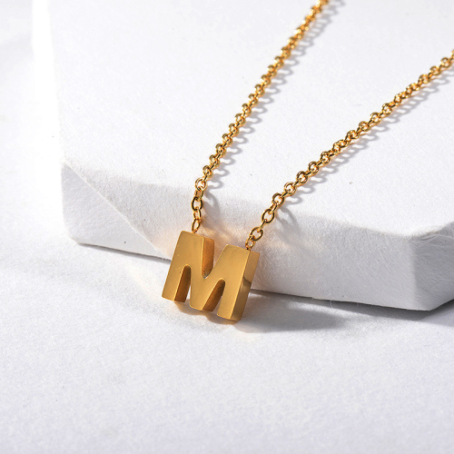 Los más vendidos Collar con dije de oro letra M para novia