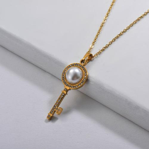 Style de mode simple avec collier en or perlé