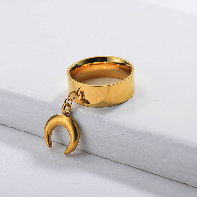 Anillo de cuerno de banda ancha chapado en oro