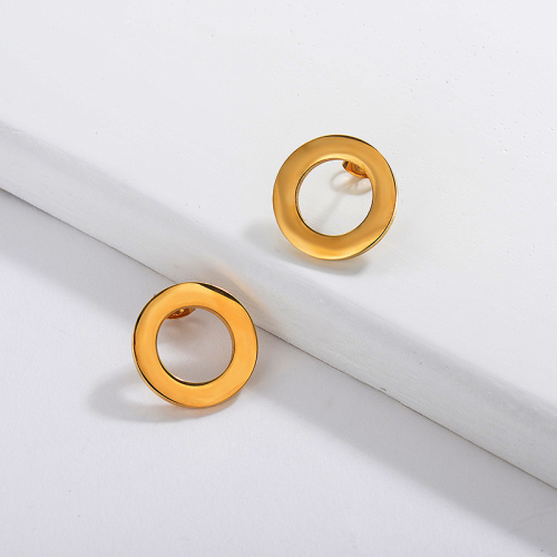 Pendiente de botón circular simple de oro