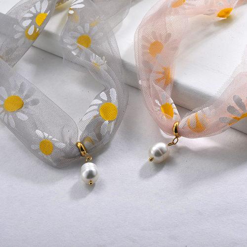 Collier ras de cou en perles d'eau douce et fragiles