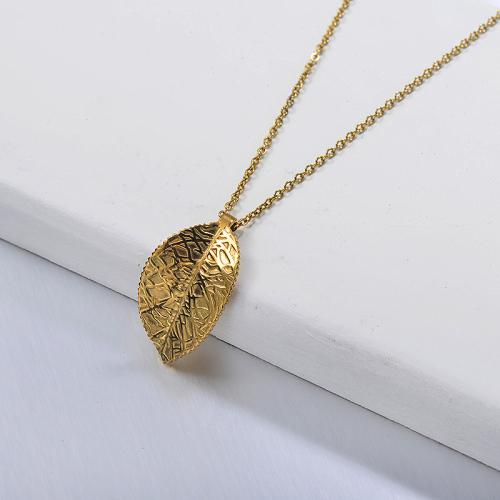 قلادة من الذهب