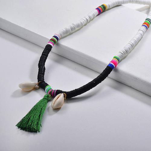 Collar de borla de concha Puka con cuentas en blanco y negro de moda