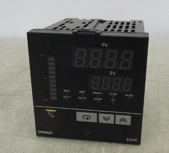 OMRON E5AK-AA2 E5AKAA2 Digital Controller