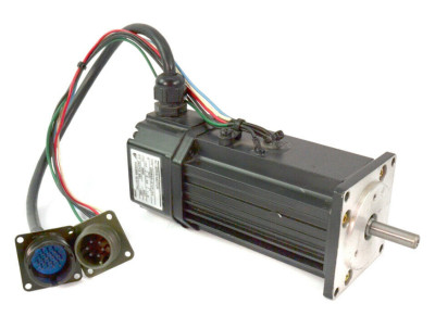 Yaskawa USAREM-01CFJ23 AC Servo Motor