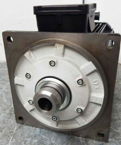 Lenze MCA 19S42-T20B0-Z0G0-KS5S00N-R0SU Engine 5,2kW