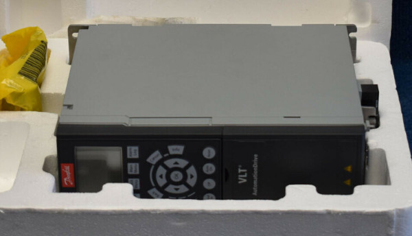 Danfoss VLT FC-302N160T7E20H2XGC7 VLT 2HP 480VAC