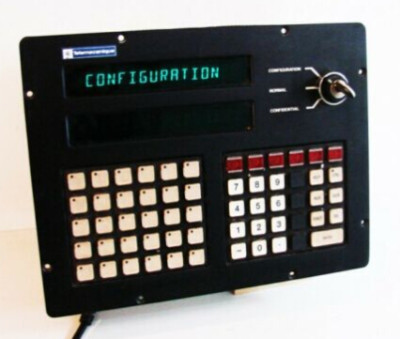 Telemecanique XBT-C825002 Terminal