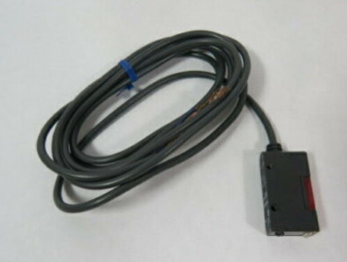 OMRON E3S-AT71-L Photoelectric Switch 10-30VDC