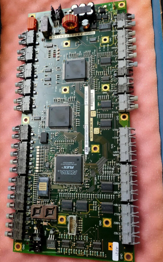 ABB 3BHE004573R0042 UFC760 BE42 PC BOARD