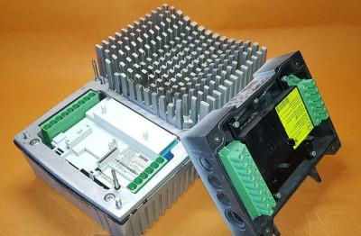 LENZE Inverter 8200 motec E82MV752_4B001