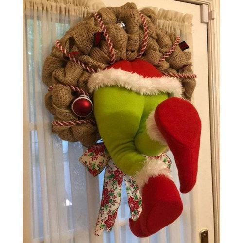 The thief Christmas wreath