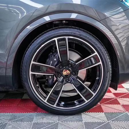 Porsche Macan 22 inch wheels