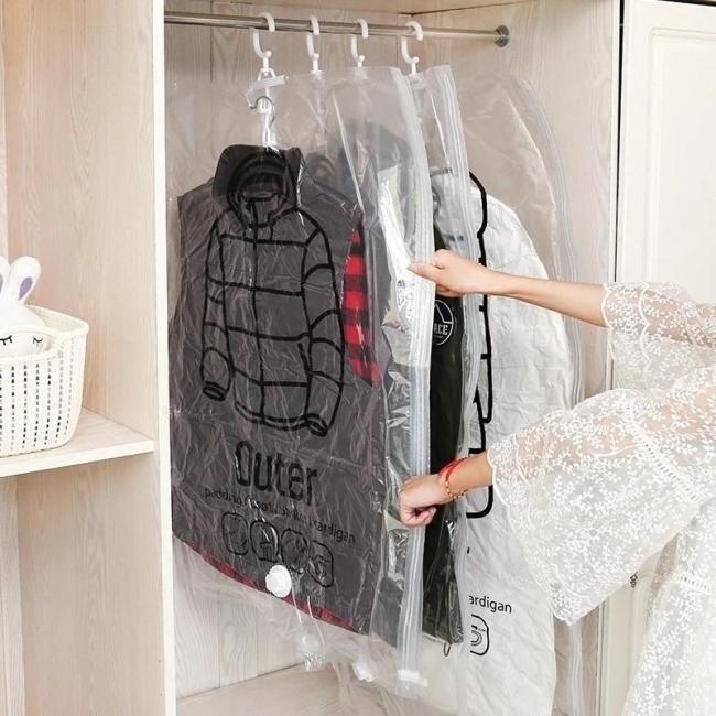 Hanging Compressible Storage Bag