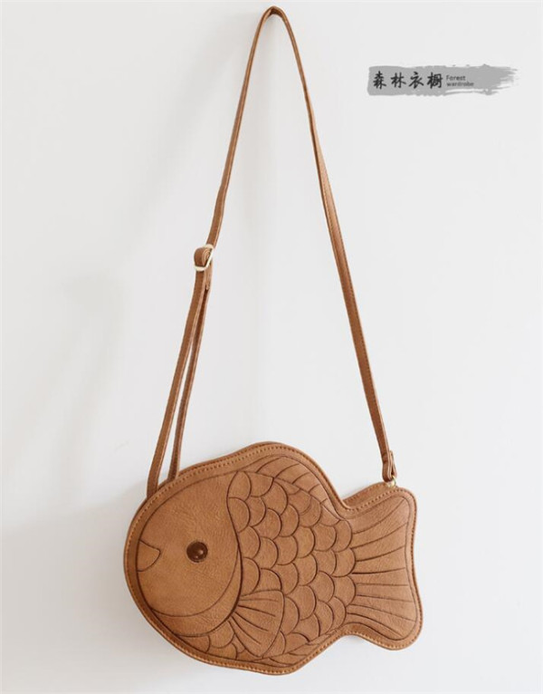 Forest Wardrobe ~Fish Shaped Lolita Bag