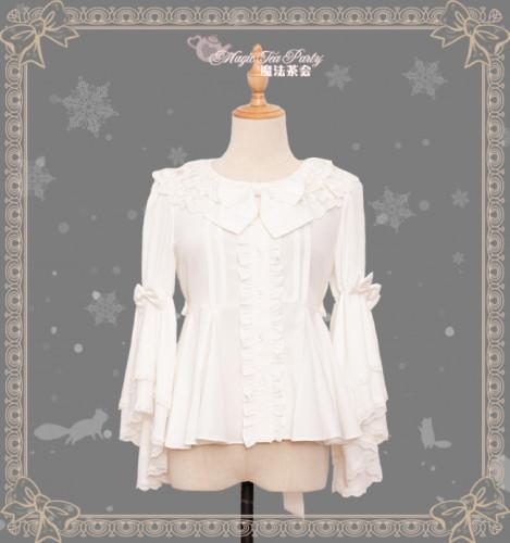 Little Fox Buying Gloves~ Winter Lolita Blouse