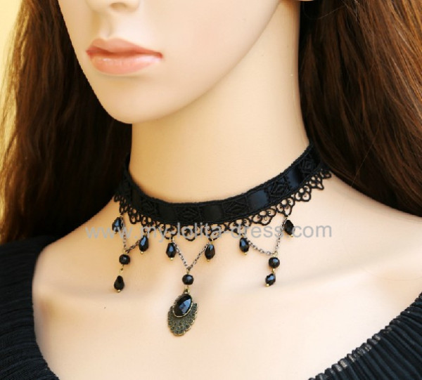 Gothic Black Beads Lolita Vintage Necklace-out