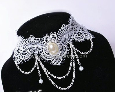 Silent Beauty White Lace Retro Lolita Choker