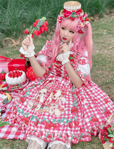Diamond Honey ~Strawberry Picnic Rabbit Lolita Jumper