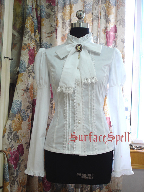 Surface Spell Gothic  Begonias  Collar Long Sleeve Blouse - out