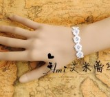 Rococo Rose Flower Lace Bracelet-out
