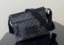1:1 original leather Louis Vuitton messenger bag men bag M45214 00234 top quality