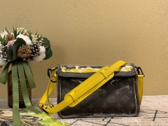 1:1 original leather Louis Vuitton men triangle messenger bag M61115 00369 top quality