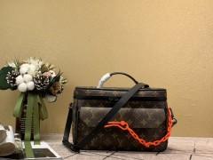 1:1 original leather Louis Vuitton men tote bag sale M61118 00366 top quality