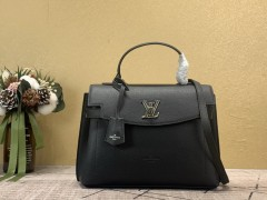 Discount Gucci shoulder/cross body bag for sale 01482 good quality
