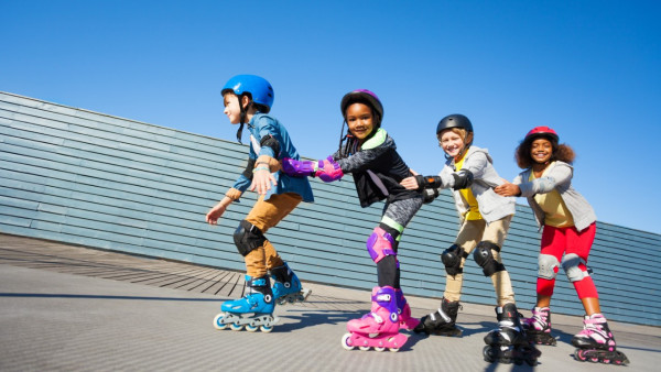 <em>A JUMP START</em><p><em>SKATES FOR KIDS</p></em>