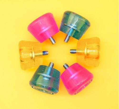 82A Wear-resistant Rubber Pu Roller Skates Transparent Color Brake