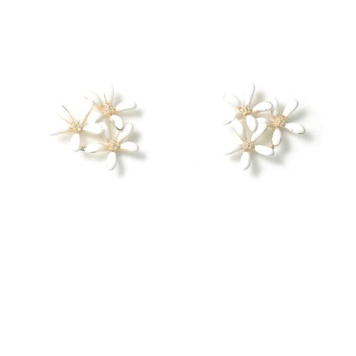 White Flower Stud Earrings 2006097