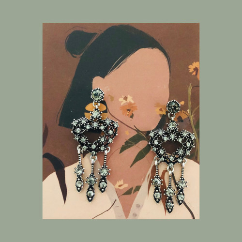 Black Heart Vintage Style of Austrian Crystal Tassel Earrings 2007008