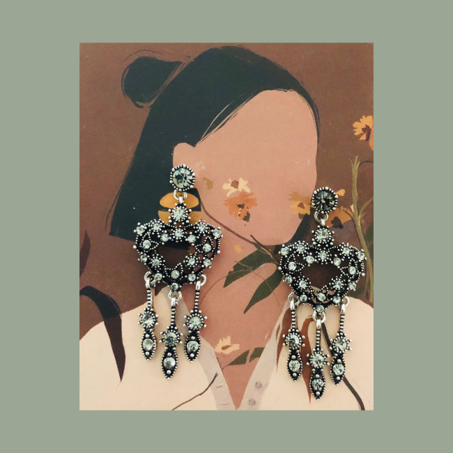 Black Heart Vintage Style of Austrian Crystal Tassel Earrings 2007008