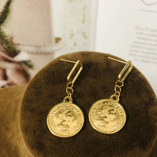 Glossy Gold Queen's Head Coins Plating Normcore Style Drop Earrings 2011138