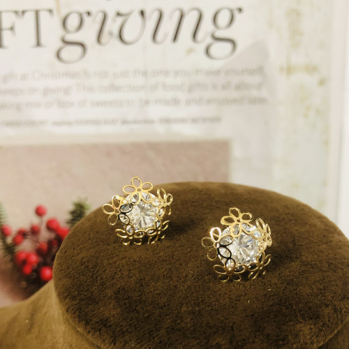 Gold 5 Petals Flower and Zircon Fashion Style Stud Earrings 2011170