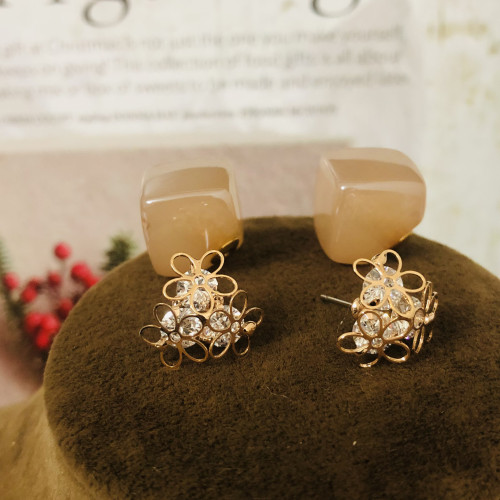 Gold 3 Petals Flower and Zircon Fashion Style Stud Earrings 2011174