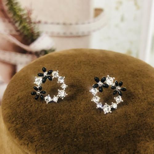 Silver Garland of Zircon Microscope Simple Style Stud Earrings 2011190