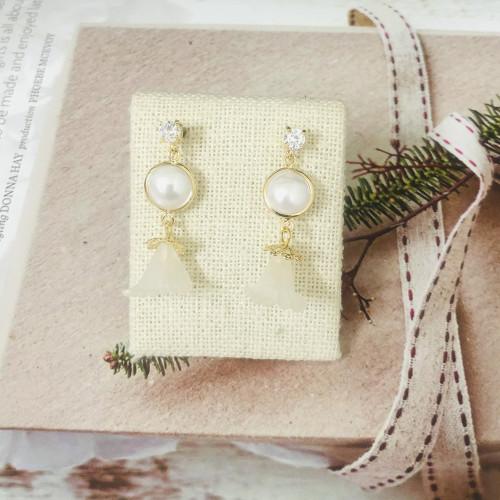 White Flower Fashion Style Drop Earrings 2011215